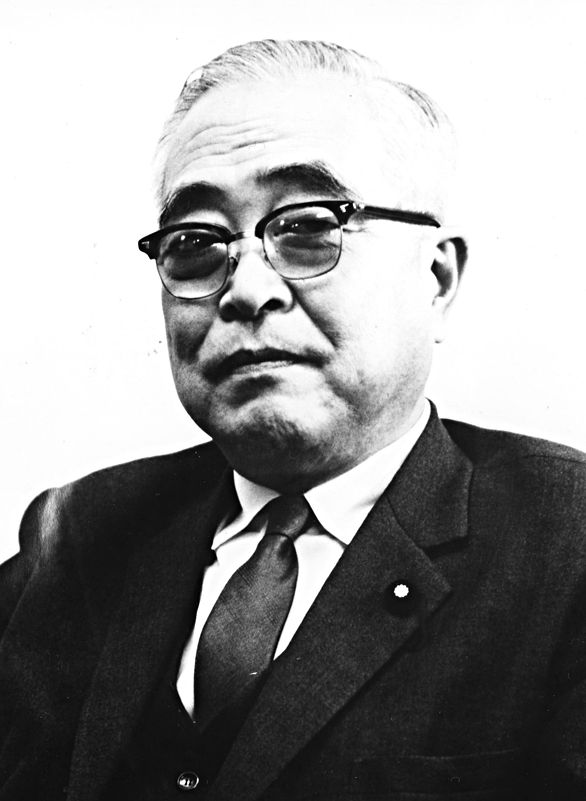 第7代会長 天坊 裕彦