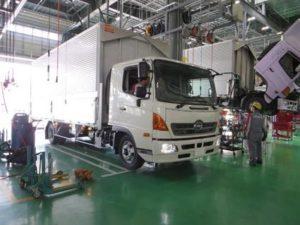 大型車メーカー各社 サービス工場間の連携強化へ