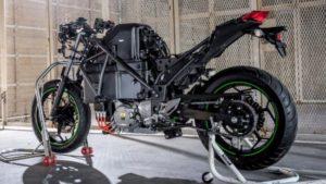 川崎重工、二輪車の電動化を加速 水素エンジン車開発も