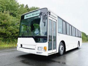 三菱ふそう 大型送迎バスに前扉仕様車、座席数増