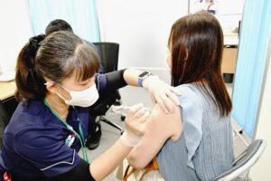 日本自動車会館で職域接種スタート  60超の団体・企業1千人申し込み